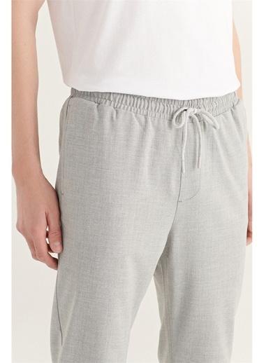 Avva Erkek Yandan Cepli Beli Lastikli Kordonlu Düz Relaxed Fit Pantolon E003000 Gri